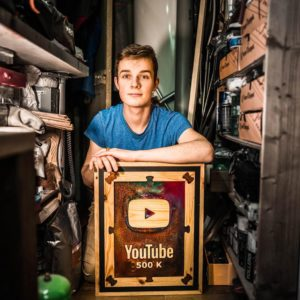 Henrie Hihac influenceur bricolage français sur Youtube